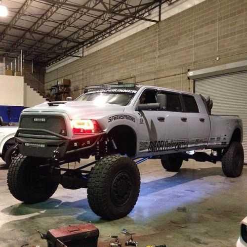 Dodge Ram Runner >> Mega Ram Runner Big Bad Dodge 3500 6 Door Diesel