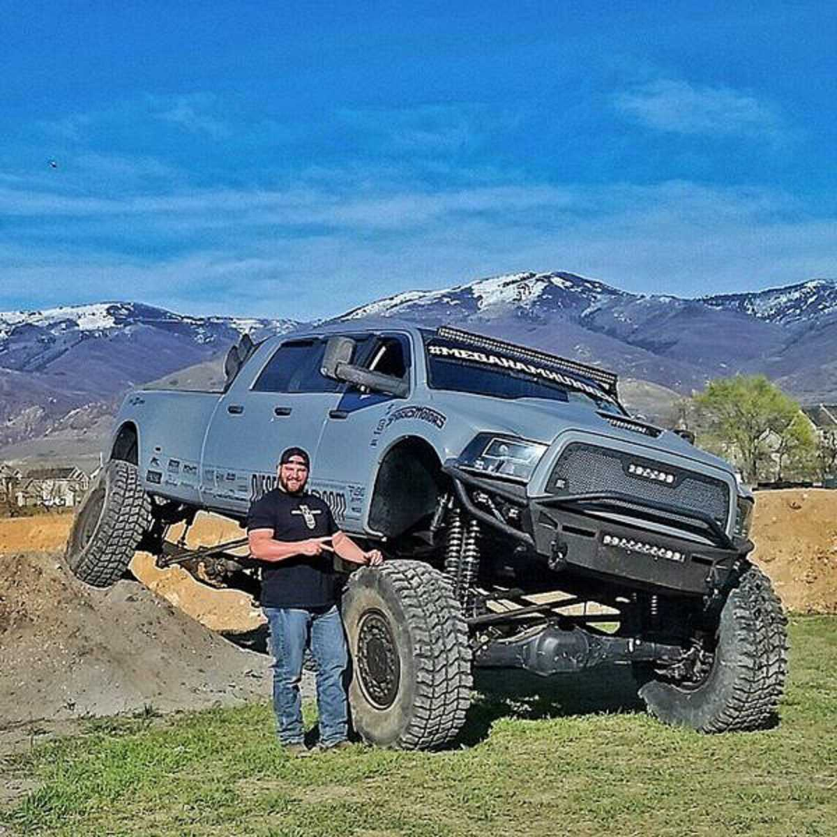 Mega ram runner big bad dodge 3500 6 door diesel 2017 2018 best cars reviews