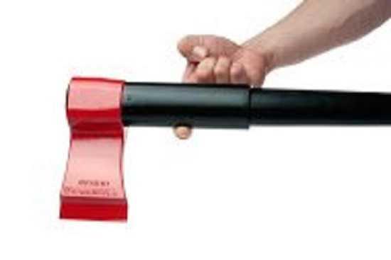 meet the leveraxe best axe for splitting wood 2