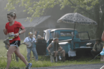 Hillbillies Heckle Marathon Runners in Tennessee video featured