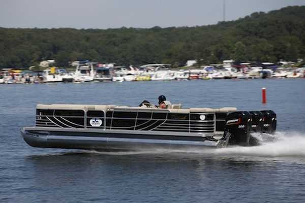 Meet The World's Fastest Pontoon Boat - 114MPH - Brad Rowland's 25ft South Bay 925CR powered by three Mercury Promax 300X Outboard Engines video 012