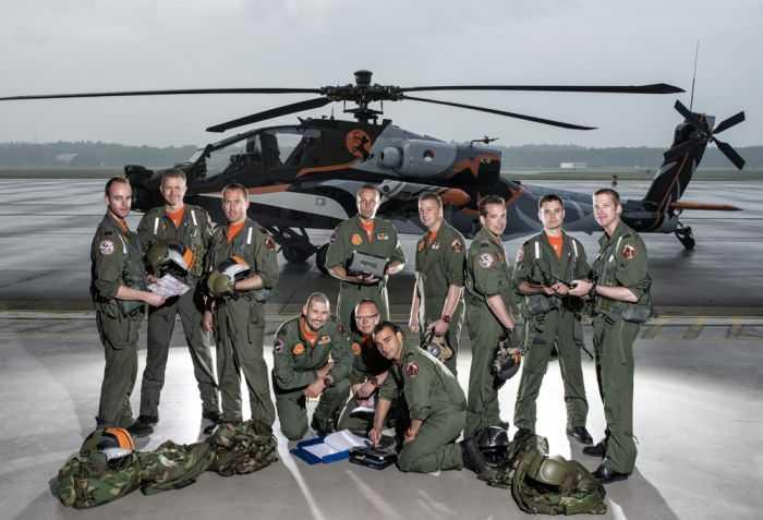 AH-64D Apache Doing Barrel Rolls Royal Netherlands Air Force AH-64D Apache Demo Team pictures 003