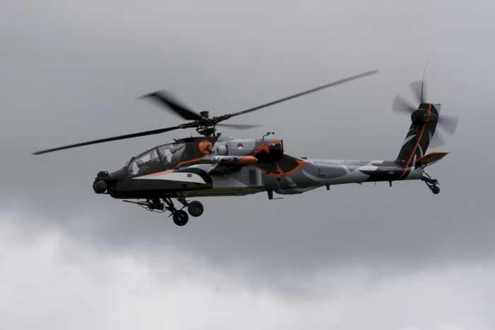 AH-64D Apache Doing Barrel Rolls Royal Netherlands Air Force AH-64D Apache Demo Team pictures 006