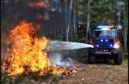 Meet The Bulldog 4x4 Fire Truck featured