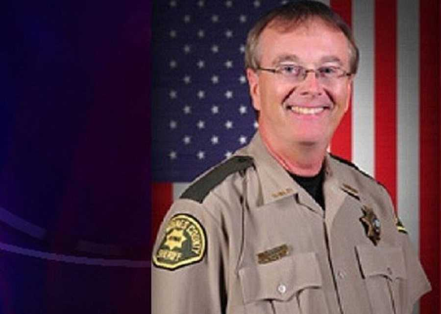 An Anti-Gun Sheriff Negligently Shoots Himself featured