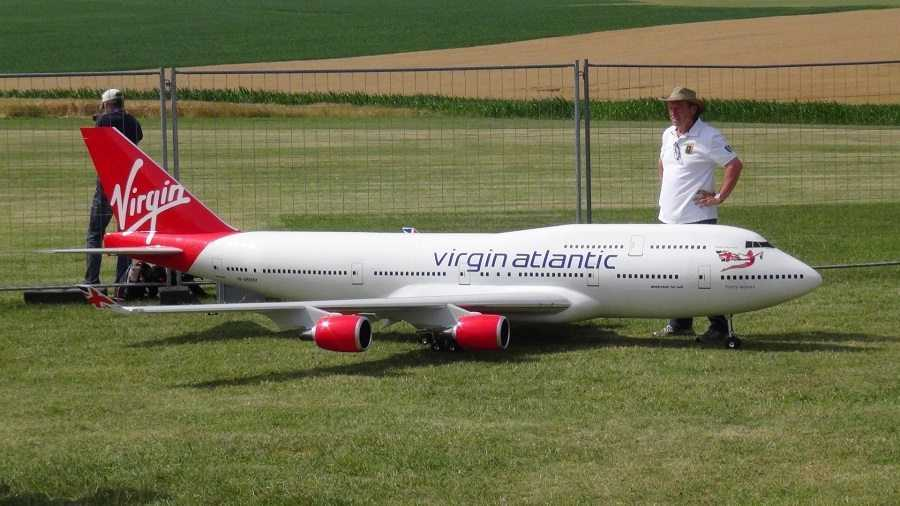 Biggest RC Airplane In The World - A Virgin Atlantic Boeing 747-400 video featured