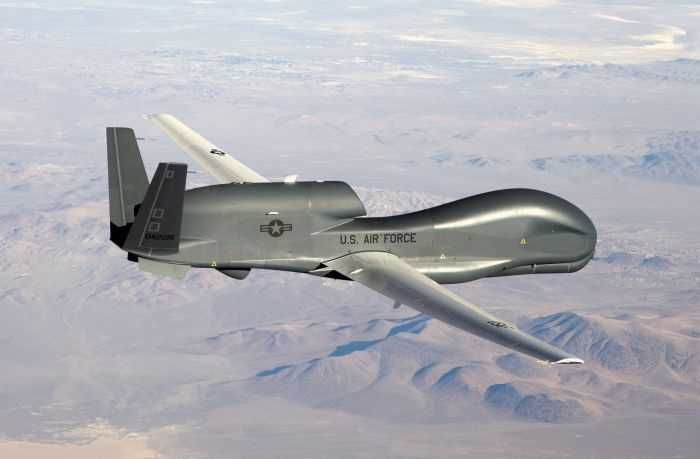 Meet The Air Force RQ-4B Global Hawk - America's Biggest UAV pictures 001