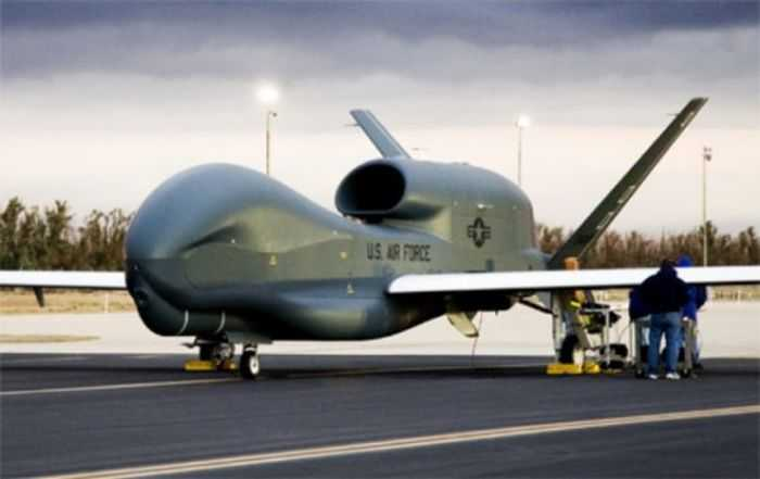 Meet The Air Force RQ-4B Global Hawk - America's Biggest UAV pictures 002