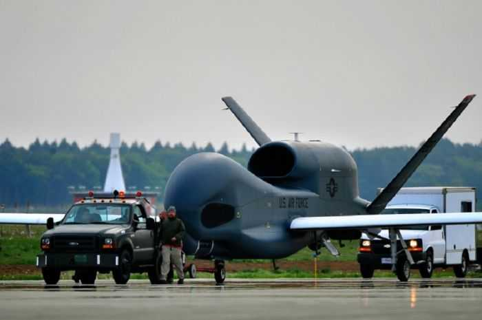Meet The Air Force RQ-4B Global Hawk - America's Biggest UAV pictures 004