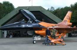 Meet The Quattro - A 1 4 Scale RC F-16 Jet pics 1