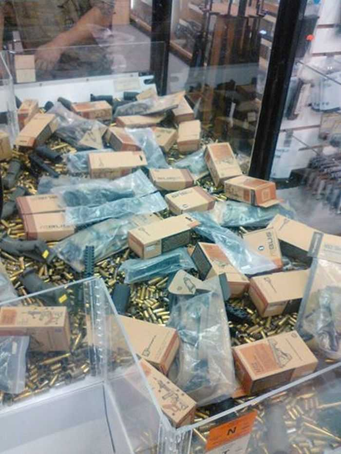 Gun Store Installs Claw machine Full Of AR Parts And Ammo pictures 001