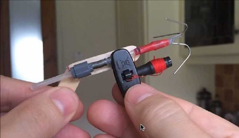 How To Make A Mini Grappling Hook Launcher video featured