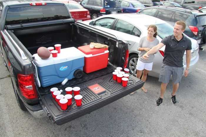The Penda Tailgate Beer Pong Table pictures 002