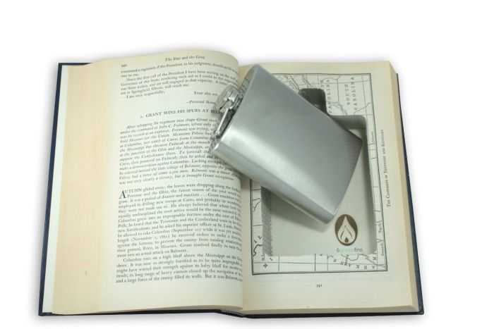 Hollow Books With Hidden Flasks Inside pictures 001