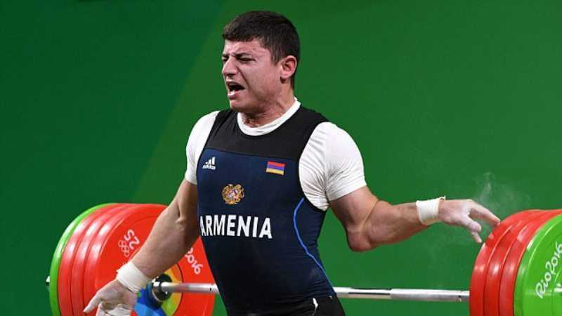 Armenian Olympic Weightlifter Andranik Karapetyan's Arm Snaps Trying To Lift 429lbs featured