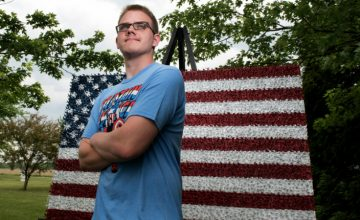 This Teen Just Made An American Flag Using 4,466 Toy Soldiers featured
