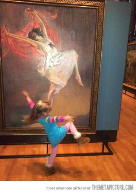 little-girl-at-ary-gallery