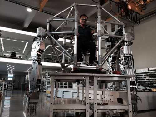 Korean Tech Company Has Built A Fully Functional 14 Foot Tall Bipedal Mech 001