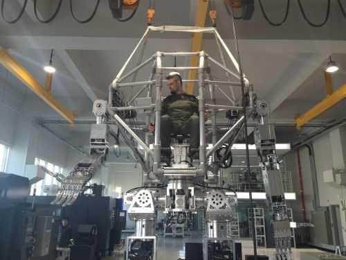 Korean Tech Company Has Built A Fully Functional 14 Foot Tall Bipedal Mech 004