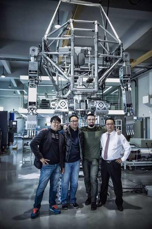 Korean Tech Company Has Built A Fully Functional 14 Foot Tall Bipedal Mech 006