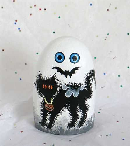 Halloween Painted Rocks - Ghost With A Scared Black Cat