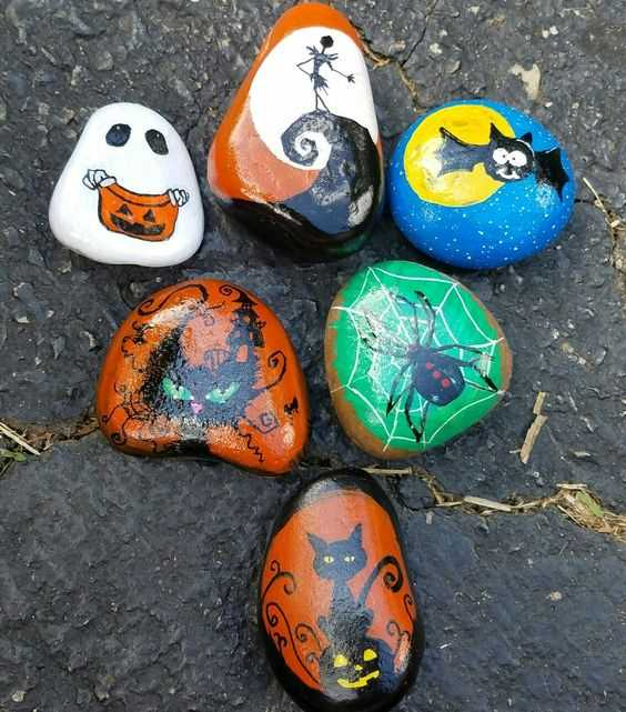 Ideas For Halloween Painted Rocks - Ghosts Skeletons, Bats, Spiders, Black Cats