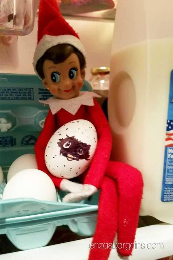 elf on a shelf kitchen - egg thief