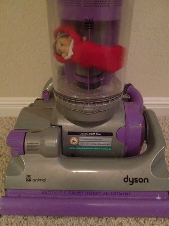 Elf On the Shelf funny ideas - vacuum elf