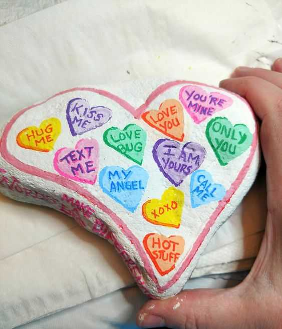 Painted Rock Ideas Easy - Valentine Rock