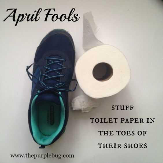 hilarious april fools pranks - toilet paper in shoe