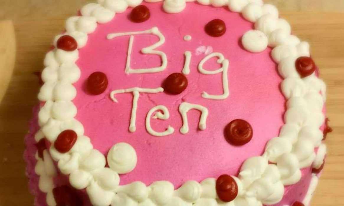 Funny cake fail -  big ten