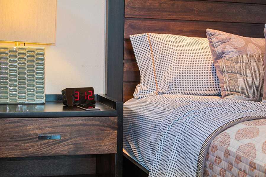 Sandman Alarm Clock - Charge 4 Devices