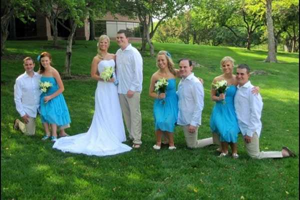 funny double take photos - midget bridesmaids