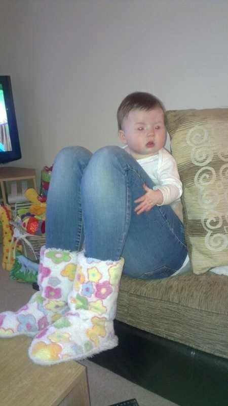 funny double take photos - baby legs